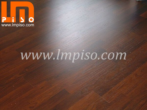 7mm 8mm squared edges 2 strips dark color real wood grain laminate flooring