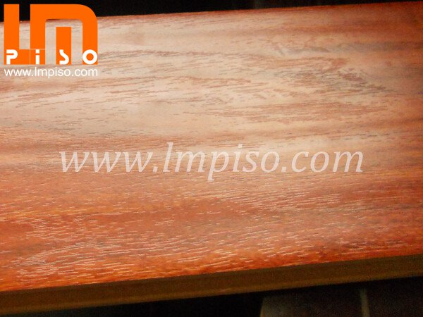 Antique design best quality handscraped with wood grain laminate flooring